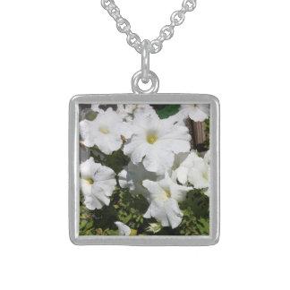 Petunie-Weiß-Blume Sterling Silberkette