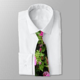 Petunien und Rasen Individuelle Krawatte