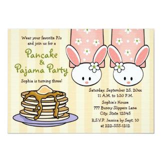 Pfannkuchen-und Pyjama-Geburtstags-Party Personalisierte Ankündigungskarte