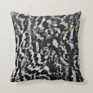 mit federn versehen kissen. Black Bedroom Furniture Sets. Home Design Ideas