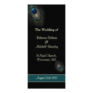Pfaufedern auf schwarzem Hochzeitsprogramm Werbekarte