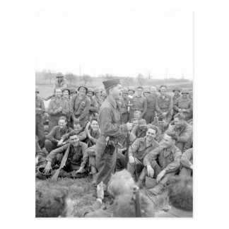 Pfc. Mickey Rooney ahmt some_War Bild nach Postkarte