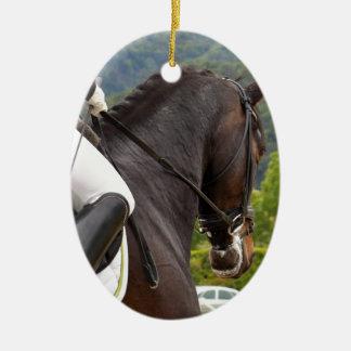 Pferd am Errichten Keramik Ornament