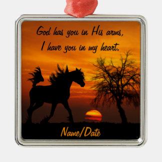 Pferd, das frei am Sonnenuntergang läuft Silbernes Ornament