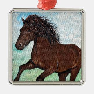 Pferd, das frei läuft quadratisches silberfarbenes ornament