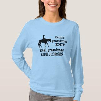 Pferd geritten durch Großmutter-Shirt T-Shirt