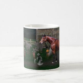 Pferd mit Ghoul-Freund-Halloween-Tasse