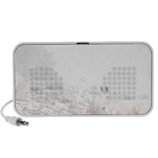 Pferd mit Winter-Jahreszeit-Schnee und Nebel iPhone Lautsprecher
