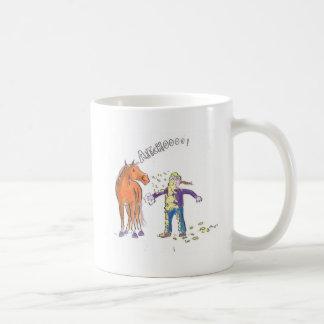 Pferd niest lustiger Cartoon Kaffeetasse