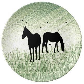 Pferde auf dem Gebiet Porzellanteller