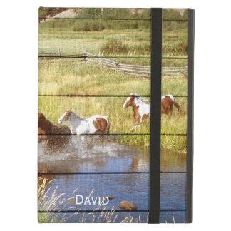 Pferde auf hölzernem iPad Air ケース
