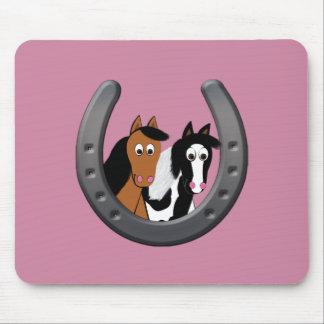 Pferde im Hufeisen Mousepad
