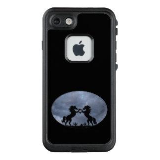 Pferde in der Silhouette LifeProof FRÄ' iPhone 8/7 Hülle