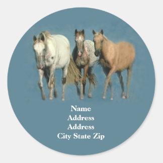 Pferde wild und wunderbares Adressen-Etikett Runder Sticker