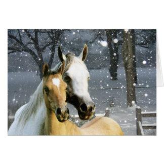 Pferdefreunde in der Schnee-Gruß-Karte Karte