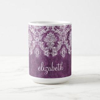 Pflaumen-Vintages Damast-Muster und Name Kaffeetasse