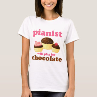 Pianist spielt für Schokolade T-Shirt