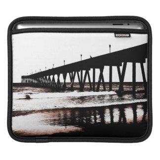 Pier-Silhouette mit Wellen Sleeve Für iPads