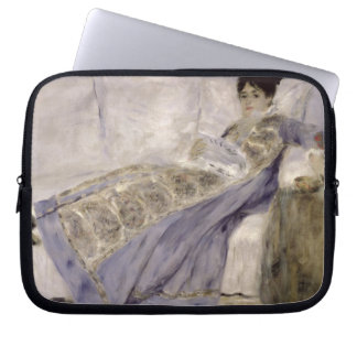 Pierre eine Renoir | Madame Monet auf einem Sofa Laptopschutzhülle