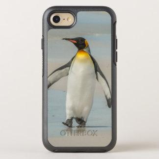 Pinguin, der auf den Strand geht OtterBox Symmetry iPhone 8/7 Hülle