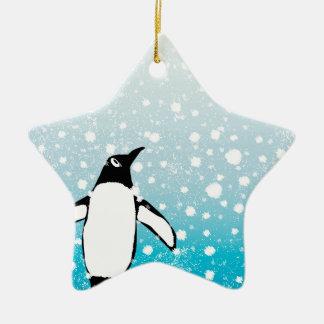 Pinguin im Schnee Keramik Stern-Ornament