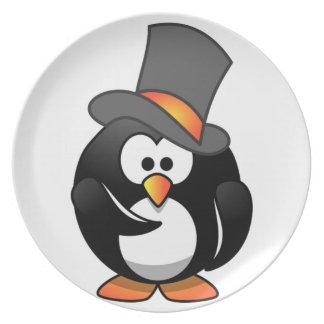 Pinguin in einem Zylinder scherzt Flache Teller