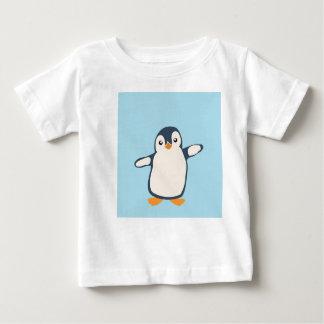 Pinguin-Umarmungs-Baby Baby T-shirt