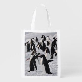 Pinguine am Spiel Wiederverwendbare Einkaufstasche