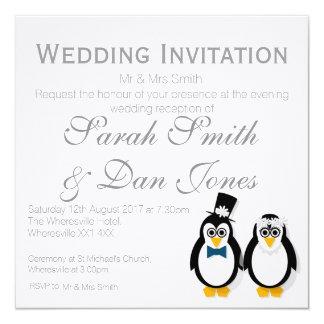 Pinguine, welche die Einladung Wedding sind