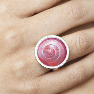 Pink snail spirals ringe