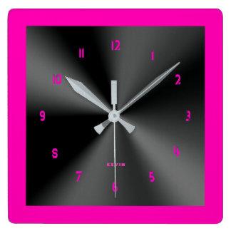 Pink-u. Schwarz-glänzender metallischer Entwurf Quadratische Wanduhr
