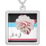 """""""Pinkfarbene Blumen-"""" Initialen rosa u. blaue Hals Selbst Gestaltete Halskette"""