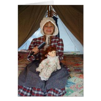 Pioniermädchen mit Puppe Karte