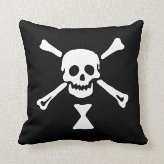 Piraten-Flagge Emanuel Wynne Kissen