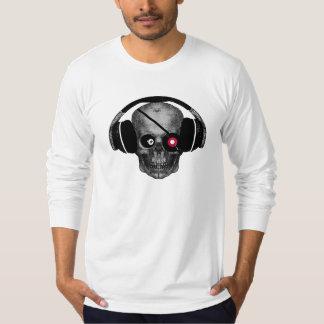 Piraten-Radioschädel DJ mit Vinyl mustern Flecken T-shirt