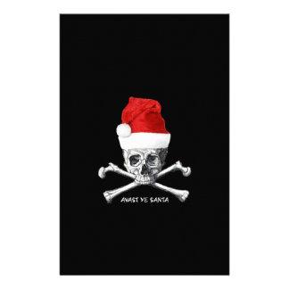 Piraten-Schädel mit Weihnachtsmannmütze auf Briefpapier