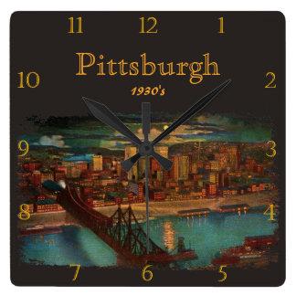 Pittsburgh bis zum den Mondscheindreißiger jahren Quadratische Wanduhr