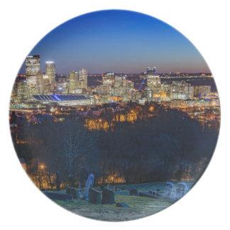 Pittsburgh-Skyline am Sonnenuntergang Melaminteller