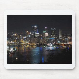 Pittsburgh-Skyline nachts Mauspad