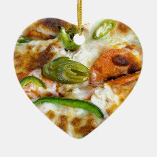 Pizza, die nahes hohes übersteigt keramik ornament