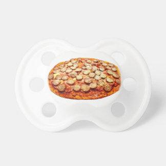 Pizza mit Pepperonis und Wurst Schnuller