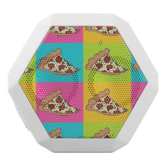 Pizza schneidet Lautsprecher