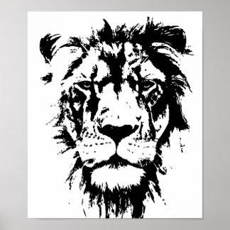 Plakat mit einem Schwarzweiss-Druck Löwe