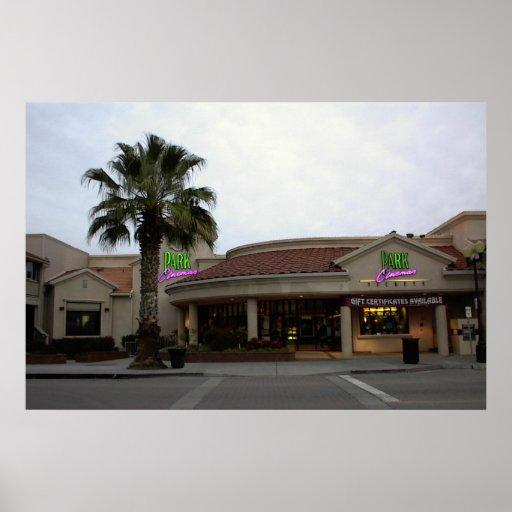 Plakat: Park-Kinos im Stadtzentrum gelegenes Paso