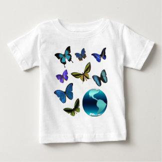 Planeten-Erde mit Schmetterlingen Baby T-shirt