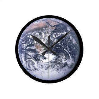 Planeten-Erde - unsere Welt Runde Wanduhr