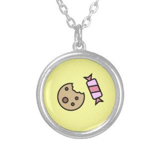 Plätzchen-und Süßigkeits-Anhänger-Halskette Versilberte Kette