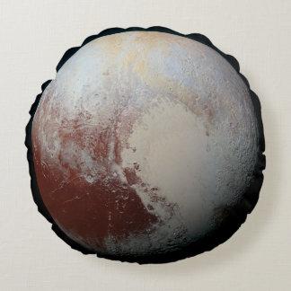 Pluto - der größte zwergartige Planet Rundes Kissen
