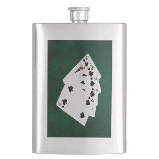 Poker übergibt - eben - Spaten-Anzug Flachmann