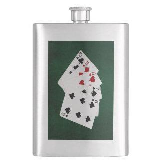 Poker übergibt - gerade - zehn bis sechs flachmann